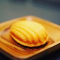 金のマドレーヌ 王道プレーン、濃厚抹茶 、ビーガン豆腐ショコラ×各4個