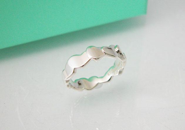 ティファニー モダンハートリング 指輪