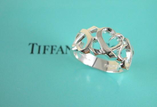 ティファニー Tiffany&Co. トリプルラビングハートリング