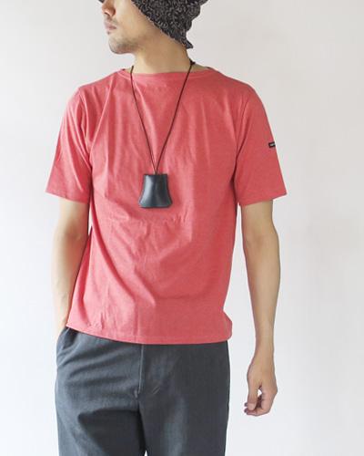 SAINT JAMESのTシャツのモデル着用画像