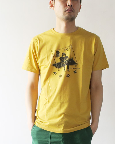 patagoniaのTシャツのモデル着用画像