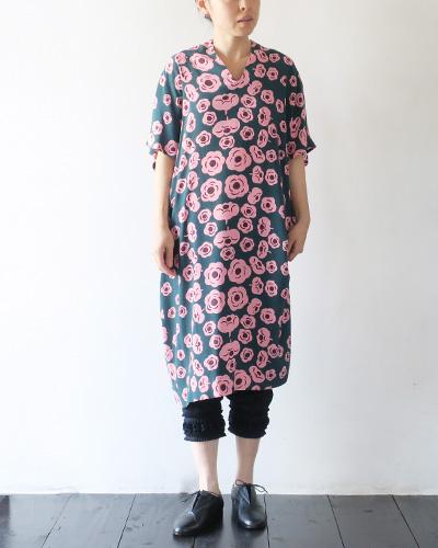 marimekkoのワンピースのモデル着用画像