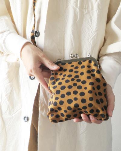 marimekkoのバッグのモデル着用画像