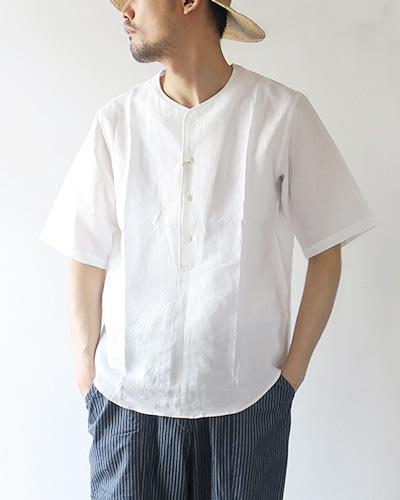 HAVERSACKのシャツのモデル着用画像