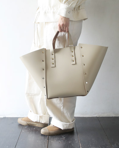 Hender Scheme assemble hand bag wide M