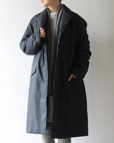 DESCENTE PAUSEのコートのサムネイル画像
