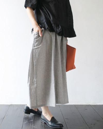 evam evaのスカートのモデル着用画像