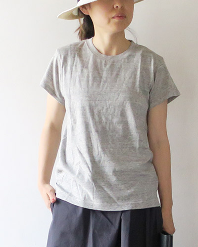 FilMelangeのTシャツの着用画像