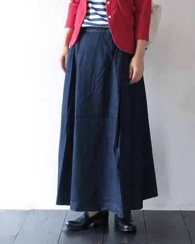 grandma mama daughterのスカートのモデル着用画像