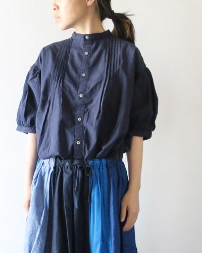 GRANDMA MAMA DAUGHTERのシャツのモデル着用画像