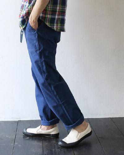 DANTONのパンツのモデル着用画像