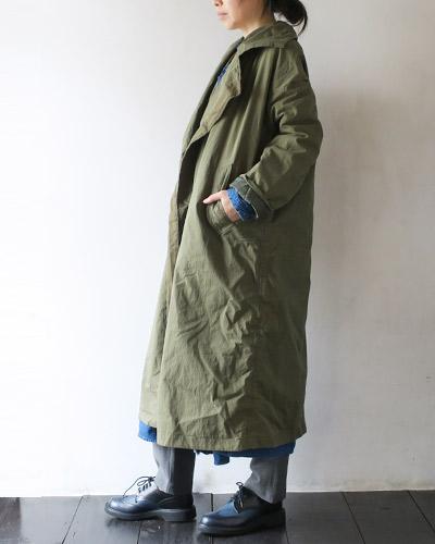 KAPITALのコートのモデル着用画像