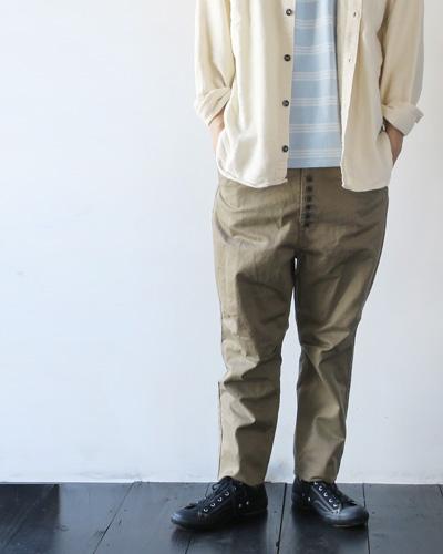 KAPITALのパンツのモデル着用画像