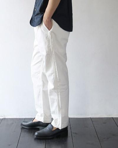 KATO`のパンツのモデル着用画像