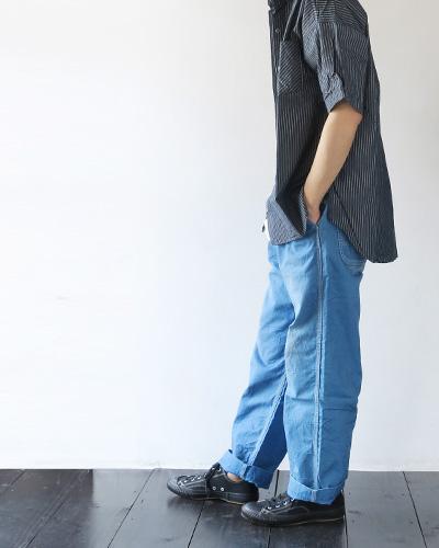 KATOのパンツのモデル着用画像