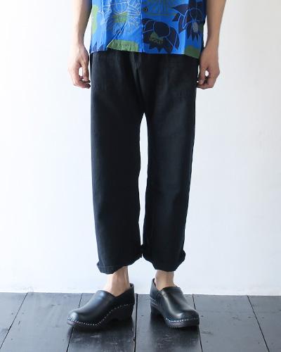 TIGRE BROCANTEのパンツの着用画像