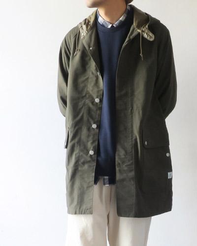 SASSAFRASのコートのモデル着用画像