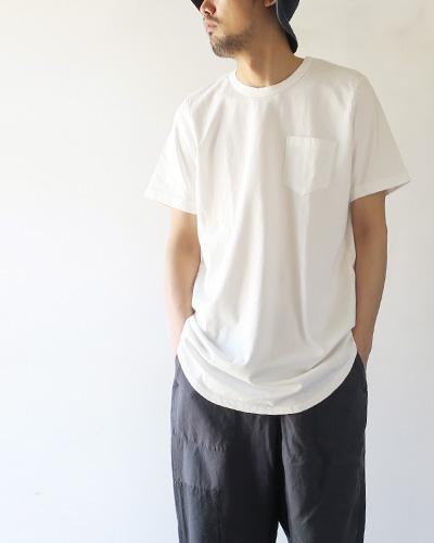 TIGRE BROCANTEのTシャツの着用画像