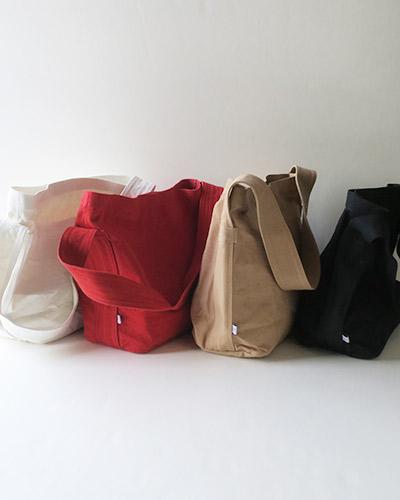 KAPITALのバッグのサムネイル画像