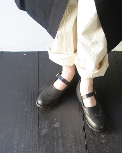 Needlesの靴のモデル着用画像