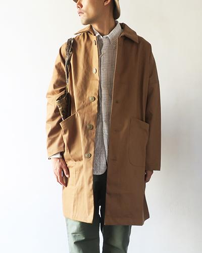 Yarmoのコートのモデル着用画像