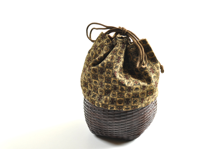 籠巾着「HAKO」錆利休。和小物、浴衣や甚平に