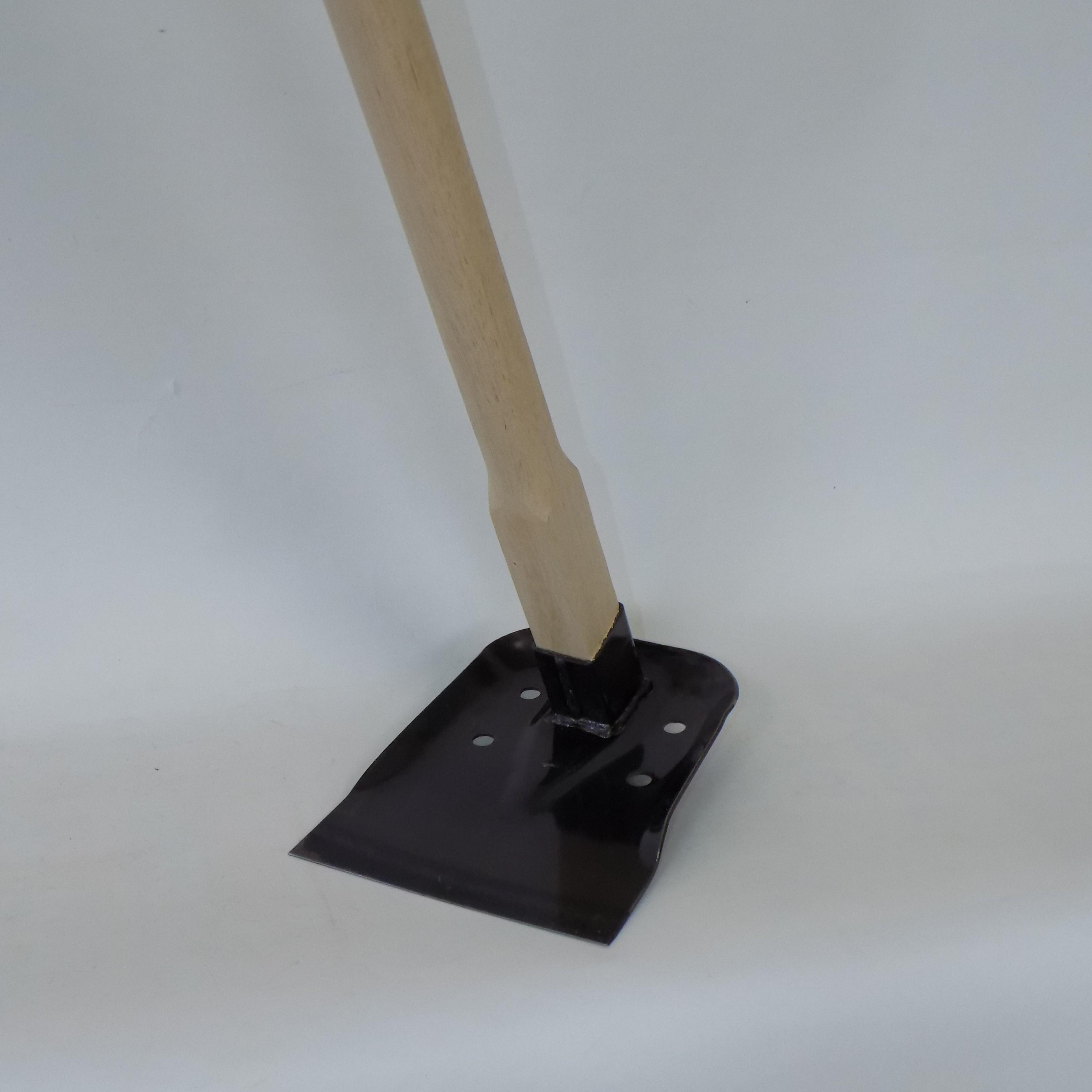 【万能鍬 M】泥上げに適した水抜き穴付き 家庭菜園の土寄せにも使える Mサイズ900ミリ柄
