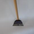 職人おすすめの鍬 【ワングリホー 165ミリ)】土運びもできる帆掛型の立鎌