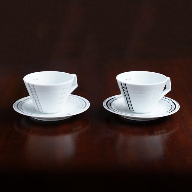【水晶彫の丹心窯】ヒルハウスシリーズ Vコーヒーカップ&ソーサー