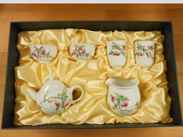 B級品【箱にキズ有り】小さな茶器セット (風清堂 白磁 桃柄)