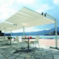 スライド開閉&角度調整可能!洗練されたスタイルのイタリア製大型パラソル「フレクシー」