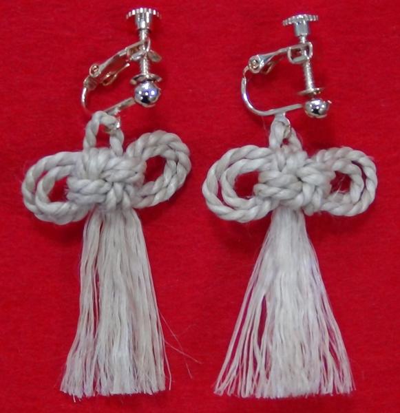 二重叶う結びイヤリング
