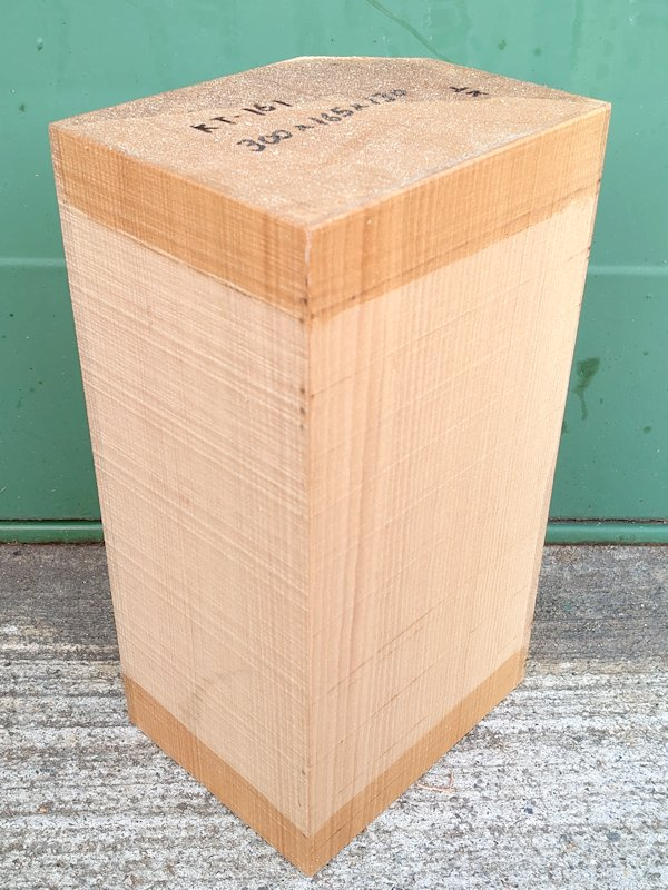 KT-161 桂カツラかつら 国産 彫刻用材 300×165×130 乾燥材