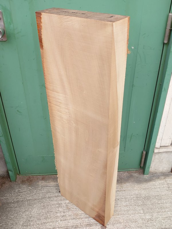 HO-121 朴ホウノキほうのき 国産 彫刻用材 1100×335×95 乾燥材
