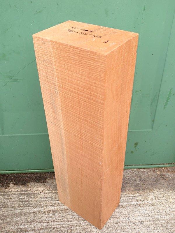 KT-147 桂カツラかつら 国産 彫刻用材アウトレット 560×165×105 乾燥材