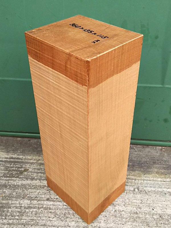 SA-196 真桜(山桜) 国産 彫刻用材 360×135×115 乾燥材