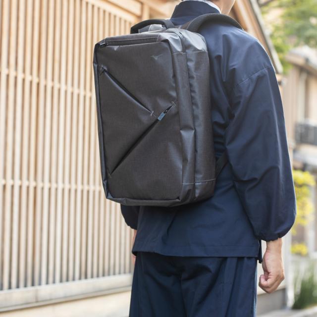 【MIZUNO】トラベルバックパック 28L グレー 使用例