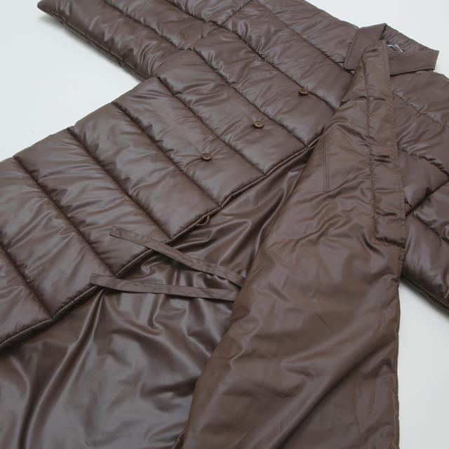綿入り 大型コート 置き姿