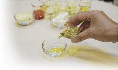 セミナー  (TNCC本科会員価格) 【11月17日開催】お悩み別 植物油と精油のブレンドガイド
