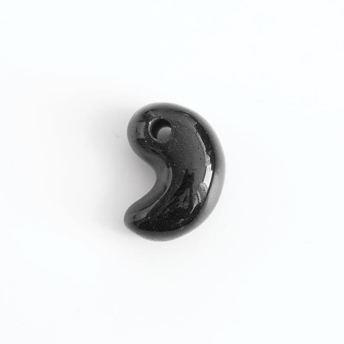 【伊勢浄化済み】隠岐の黒曜石=オブシディアンの勾玉   約17.3×9.4mm   No.2   【パワーストーン/天然石】