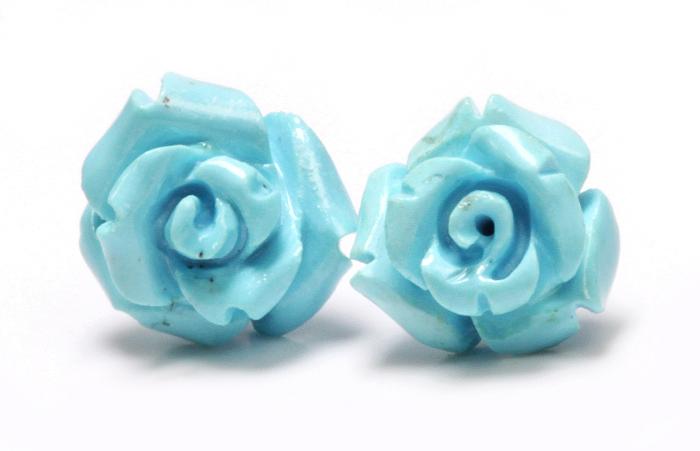 限定!スリーピングビューティー産ターコイズの手彫り薔薇ピアス《3》 /EG/12  【天然石・パワーストーン】