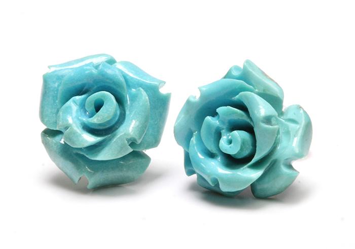 限定!スリーピングビューティー産ターコイズの手彫り薔薇ピアス《2》 /EG/12【パワーストーン・天然石】