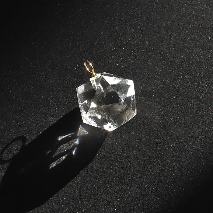 【伊勢】特価!ヒマラヤ★ガネッシュヒマール水晶のK18G 20面カットペンダント ise4