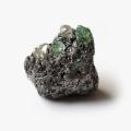 限定!ツァボライト(グリーン・グロッシュラー・ガーネット)の原石   【5】      /1月【天然石・パワーストーン】