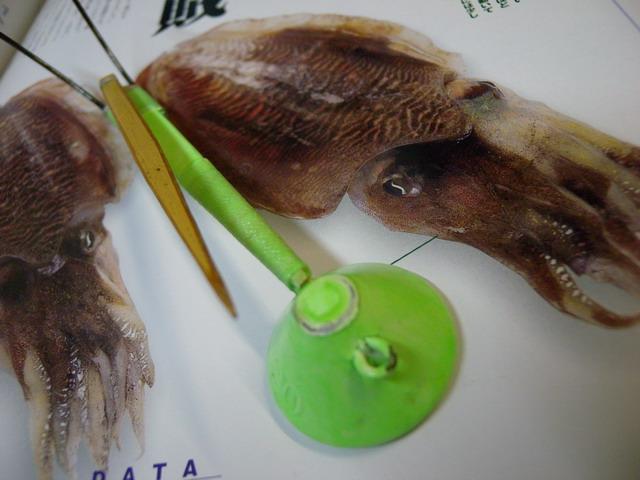 【釣道具まるかつ】オリジナル スミイカテンヤ(夜光塗・黒針) 東京湾・江戸前の伝統釣法