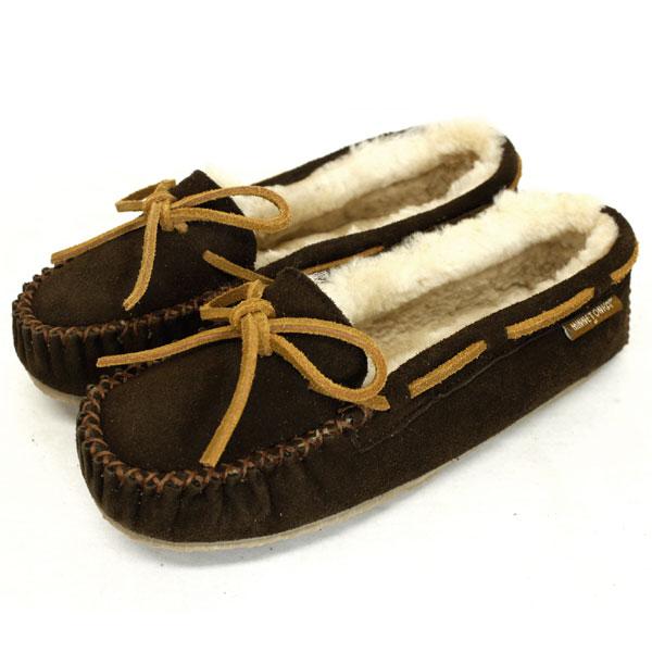 正規取扱店 MINNETONKA(ミネトンカ) Sheepskin Pippa Slipper(シープスキンピッパスリッパ) #42022 CHOCOLATE レディース MT366