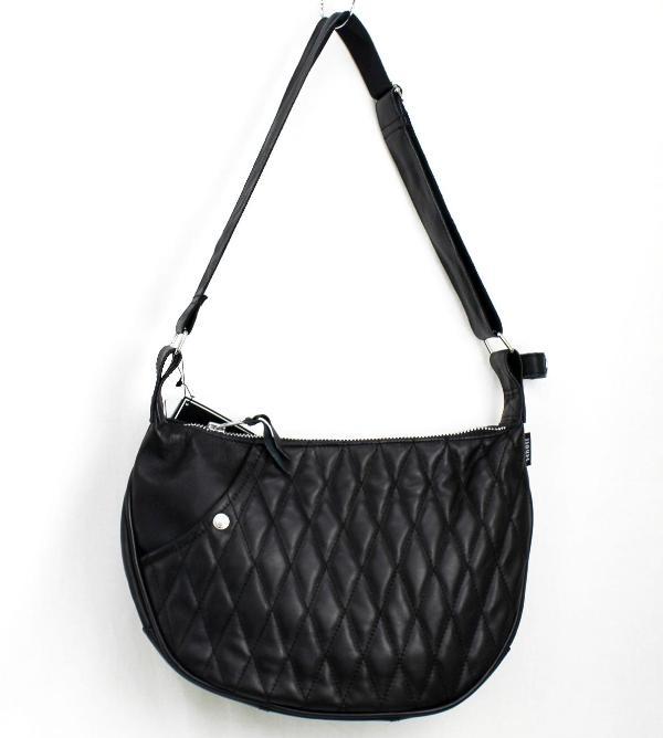 正規取扱 SCHOTT(ショット) PADDED BANANA BAG(パッデッド バナナ バッグ) BLACK ブラック