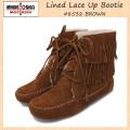 正規取扱店 MINNETONKA(ミネトンカ)Lined Lace Up Bootie(ラインドレースアップブーティ)#8532 BROWN レディース MT091