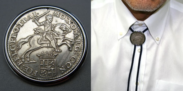 オランダ 18世紀 1/2デュカトーン銀貨 ループタイ