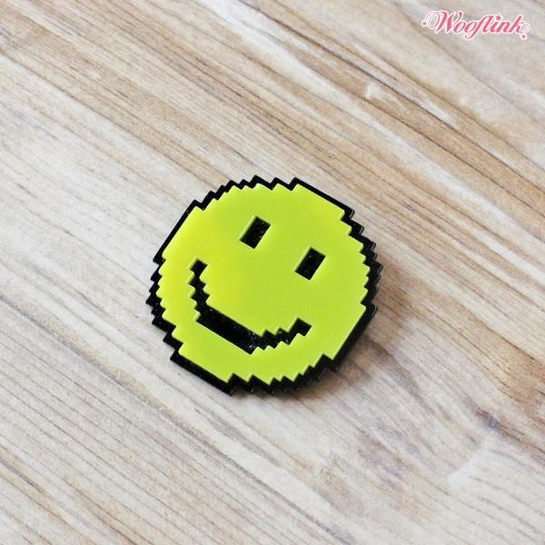 WOOFLINK(ウーフリンク) SMILE BROOCH